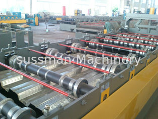 China Single Chain Driving Floor Deck Roller Making Machine Forming Speed 15m Per Minute supplier