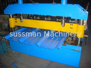 China 45# High Grade Steel Roof Panel Roll Forming Machine 12 Months Warranty 7.5KW supplier