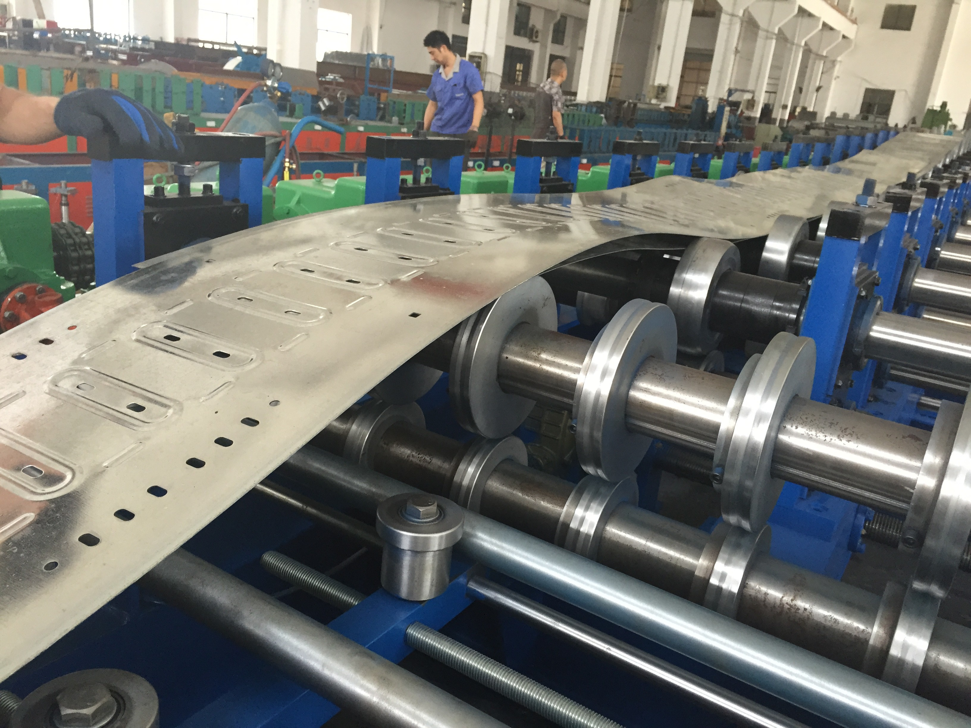 Single Chain Drive Cable Tray Roller Making Machine / Roll Forming ...