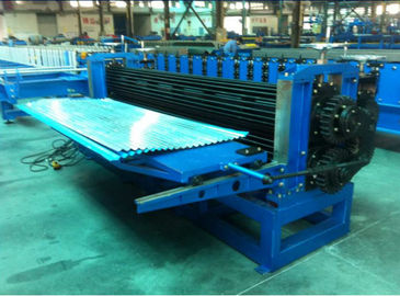 China G550 Galvanized Sheet Barrel Type Roof Panel Roll Forming Machine 0.15 - 0.4mm distributor