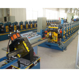 China Supermarket Upright Rack Roll Forming Machine Servo Following Cutting factory
