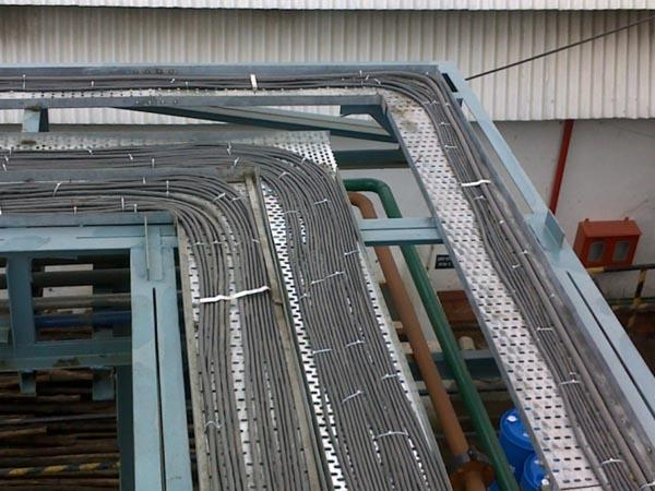 Galvanized Steel Perforated Cable Tray Roll Forming