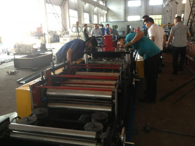 Hydraulic Cutting Roll Forming Equipment M Shape with Chain Transmission