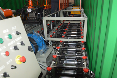 Single Chain Driving System Fire Damper Roll Forming Machine Hydraulic Cutting