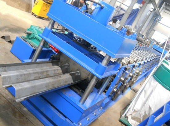 Colored Glaze Steel Guardrail Roll Forming Machine 1.5mm - 3.0mm Thickness