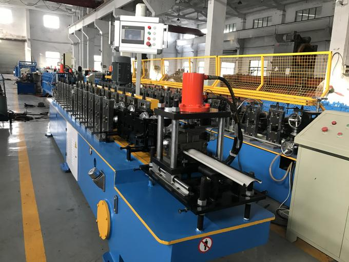 0.7-1.2mm Durable Galvanized Steel Cold Roll Forming Machine 12 stations Single Chain