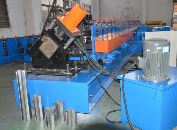 PLC Control System Rack Roll Forming Machine 5000KG Chain Driven 7m * 1.4m * 1.4m