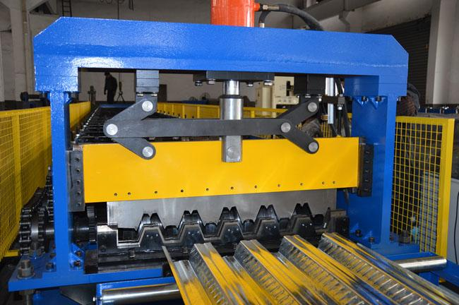 380 V 50 Hz Auto Roll Forming Line , Floor Plate Rolling Form Machine