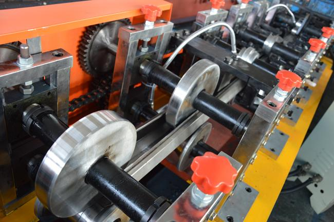Cassette Type Galvanized Steel Hydraulic Punching Octagon Pipe Roll Forming Machine  Size Quick Changeable