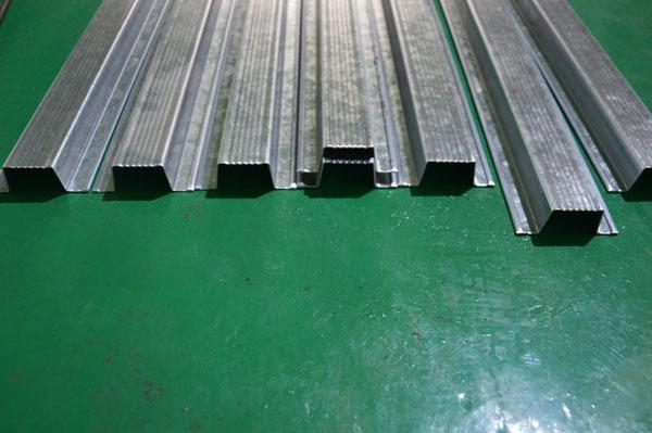 13 Stations Omega Stud And Track Roll Forming Machine About 5000 × 435 × 1000 Mm