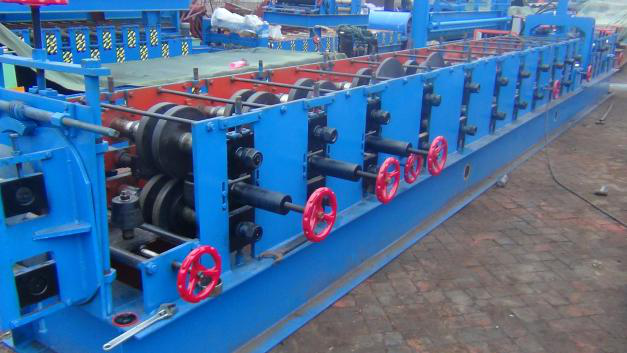 Chain Drive Z Purlin Making Machine , Purlin Rolling Machine With 20 Roller Stations