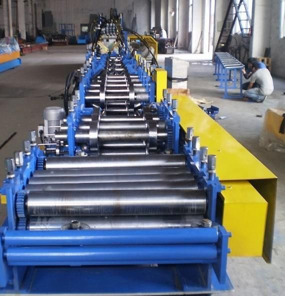 CE Certificated CZ Purlin Roll Forming Machine , Roll Former Machine