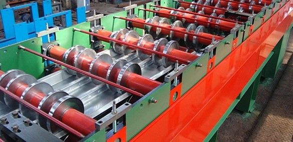 Construction Steel Floor Deck Roll Forming Machine 0.8 - 1.2mm Thickness