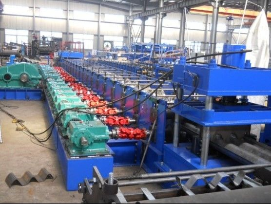Galvanized Steel 2 - Space W Beam Guardrails Roll Forming Machine Hydraulic Gearbox Drive