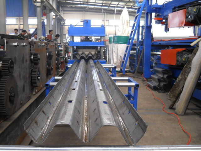 Material thickness 2 to 4mm guard railway roll forming machine hydraulic power 5.5KW
